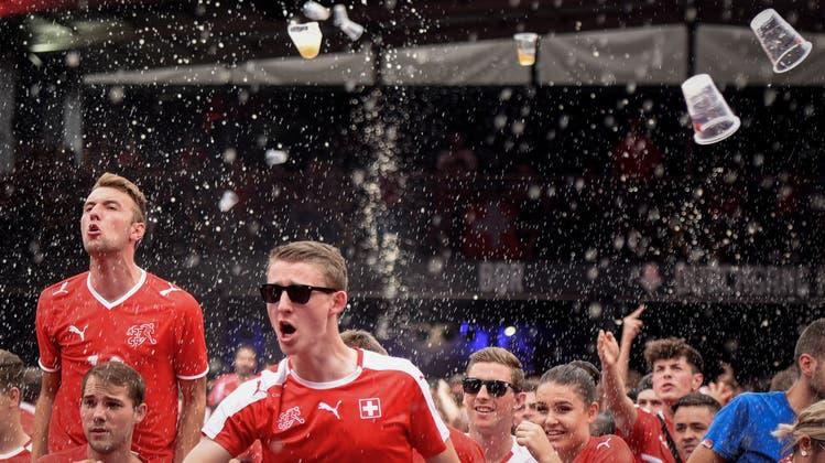 Ein weiterer Unterschied: Schweden ist im Viertelfinale, die Schweiz nicht. (Bild: Keystone)