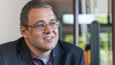 WolfgangGiellas erstes Mal: Der neue Gossauer Stadtpräsident verteilt im Parlament Spaghetti