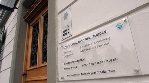 Eingang zur Kreuzlinger Schulverwaltung. Hier hat der Präsident sein Büro. (Archivbild: sb)