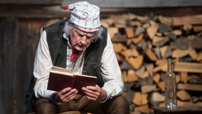 Vor dem Publikum entwickelt sich der Mikrokosmos eines ärmlichen landwirtschaftlich geprägten Toggenburgs von vor 200 Jahren. (Bilder: Bilder: Benjamin Manser)