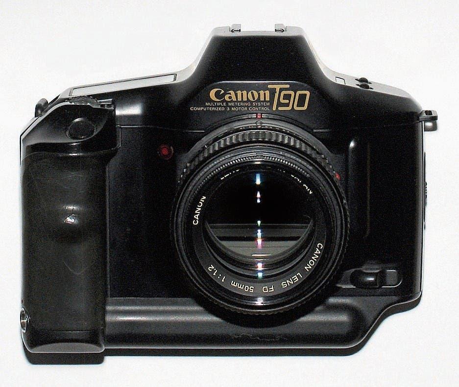 Die Spiegelreflexkamera Canon T90. (Bild: Wolfgang Thannerle)