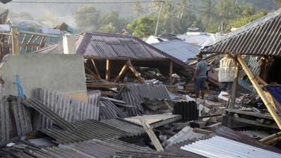 Zahl der Toten bei Beben auf Lombok steigt weiter