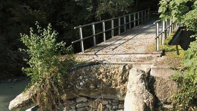 Weggeschwemmte Brücke wird ersetzt