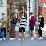 Schweizer verbringen täglich zwei Stunden am Mobiltelefon: Das sagt die Forschung dazu