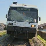 Ein Zug wurde beim Unfall beschädigt. (Bild: BRK News)