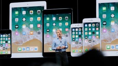 Apples Software-Chef Craig Federighi an einer Entwicklerkonferenz. (Bild: Jose Sanchez/AP, San Jose, 4. Juni 2018)