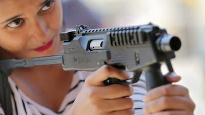 Kommission unterstützt Lockerung von Waffenexporten
