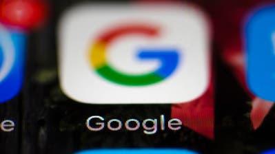 Google gerät mit seinem Webbrowser Chrome auf Android-Handys unter Druck. (Bild: AP Photo/Matt Rourke, File, 26. April 2017)