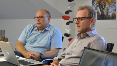 Primarschul-Vizepräsident Markus Blättler und Sekundarschul-Vizepräsident Michael Thurau beim Gespräch mit den Pressevertretern. (Bild: Urs Brüschweiler)