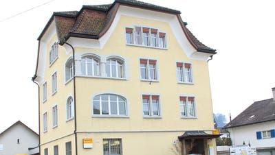 Bis 2020 können die Bürger von Bütschwil auf ihre Poststelle zählen. (Bild: Martin Knöpfel)