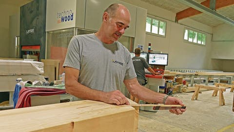 Holzbau Kayser: Seit 45 Jahren ist er fasziniert von Holz