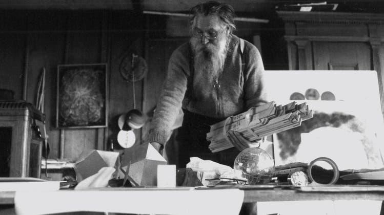 Werner Schwarz in seinem Atelier in Schliern.(Bild: PD)