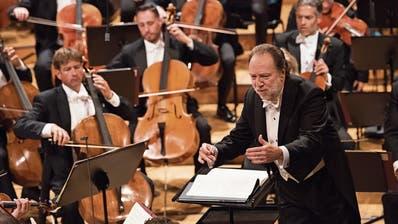 Alle Konzerte praktisch ausverkauft: Riccardo Chailly dirigiert das Lucerne Festival Orchestra. (Bild: LF/Priska Ketterer)