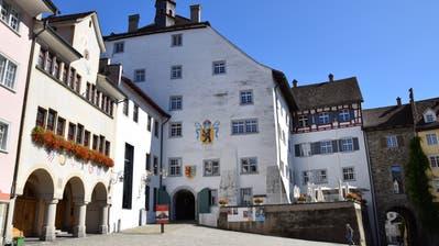 Der Hof zu Wil mit dem Haus Toggenburg (rechts) prägt das Bild der Stadt. (Bilder: Gianni Amstutz)