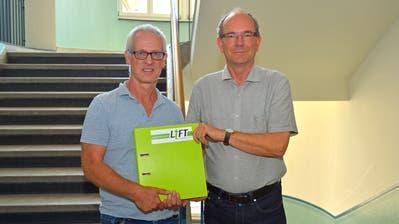 Schulleiter Andy Prinzing und Sekundarschulpräsident Beat Gähwiler freuen sich über die Einführung des Projekts LIFT. (Bild: Mario Testa)
