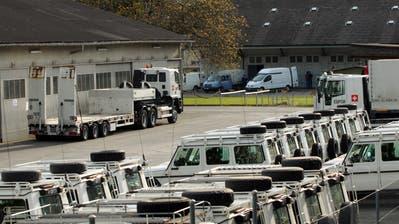 Swissint soll mehr Platz für ihre Fahrzeuge erhalten, zudem ist im Neubau eine öffentliche Tiefgarage geplant. (Bild: Oliver Mattmann)