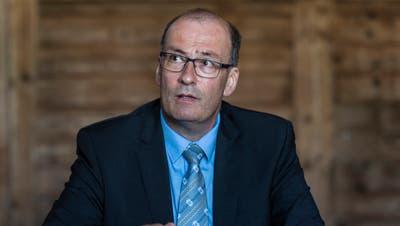 Markus Ritter, Präsidentdes Schweizer Bauernverband, glaubt, dass der Konsument Verständnis für einen höheren Milchpreis hat. (Bild: KEYSTONE/Patrick Huerlimann/Keystone; Schalunen, 12. Juli 2018)