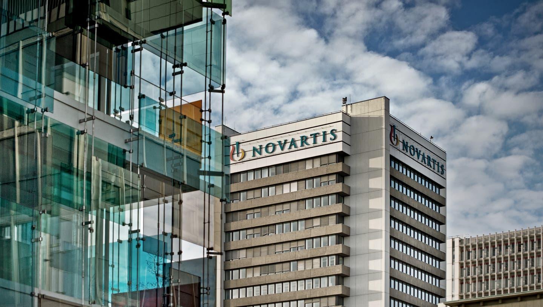 Ein Einblick in den Novartis Campus in Basel. Das Bild entstand am Donnerstag, 27. November 2014.(Pius Amrein / Neue LZ)Wirtschaft, Chemie, Pharma, Gesundheit, Novartis, Medikamente, Gebäude, Architektur, Himmel, Wolken