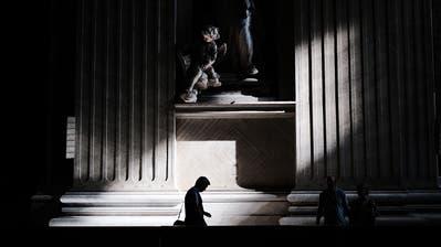 Innenaufnahme des Petersdom im Vatikan in Rom. Bild: Spencer Platt/Getty (Vatikanstadt, 31. August 2018)