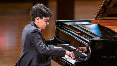Dmitry Ishkhanov bei seinem Konzert in der Lukaskirche. Bild: Patrick Hürlimann/Lucerne Festival