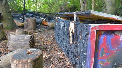 Brandstifter zerstören Waldkindergarten in Bürglen
