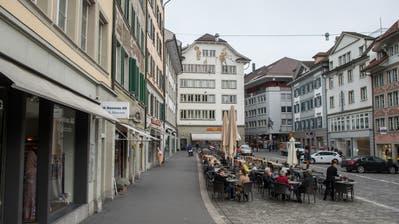 Die Luzerner Altstadt - im Bild der Mühleplatz - ist autofrei und darf nur mit einer Ausnahmebewilligung befahren werden. (Bild: Dominik Wunderli, Luzern02.11.2017)