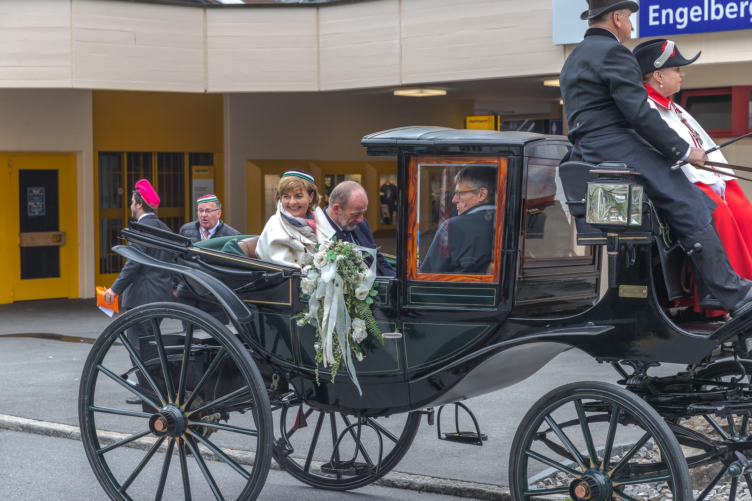 Alt Bundesrätin Ruth Metzler war ebenfalls in Engelberg anzutreffen. Ihr Gegenüber sitzt der Obwaldner Nationalrat Karl Vogler. (Bilder: Daniel Lüthi, Engelberg, 2. September 2018)