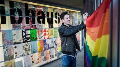 Niels Erhardt von der «Milchbar» im Luzerner Treibhaus, eines der Angebote für homosexuelle Jugendliche. (Bild: Manuela Jans-Koch, 12. April 2018)