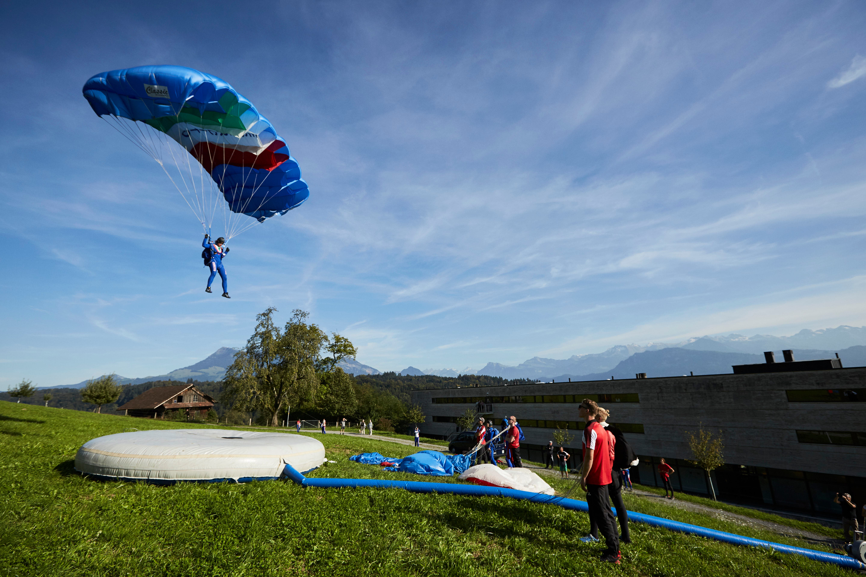 Die Swiss Skydiving Nationalmannschaft war am Mittwoch beim Training in Luzern, bevor die Springerinnen und Springer dann ab Donnerstag am Weltcup-Final im Tessin teilnehmen. (Bild: Jakob Ineichen, 26. September 2018)