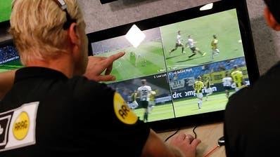 Champions League und EM-Endrunde mit Video-Schiedsrichter