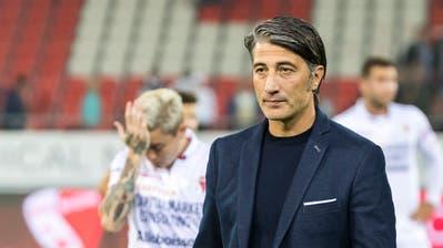 Murat Yakin nach der Niederlage gegen Zürich am Donnerstagabend.Bild: Pascal Muller/Freshfocus (Sion, 27. September 2018)