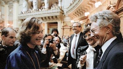 Elisabeth Kopp (hier nach ihrer Wahl) war die erste weibliche Bundesrätin – und die bisher einzige FDP-Frau in der Landesregierung. (Bild: Archivbild: Keystone (Bern, 2. Oktober 1984)