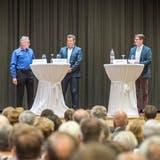 Bettina Goulon interviewt die drei Kandidaten Martin Schwager, Dieter Brunschweiler und Roger Jung. (Bild: Andrea Stalder)