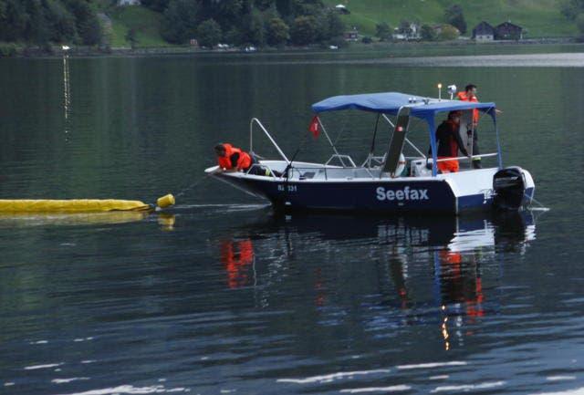 Das Seefax-Boot hilft aus. (Bild: Geri Holdener/Bote der Urschweiz (Seewen, 3. August 2018))