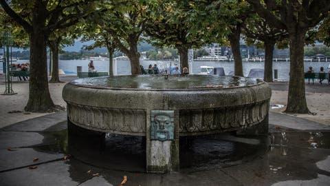 Die Stadt investiert rund 2 Millionen für die Sanierung von öffentlichen Brunnen. Als nächstes werden die Brunnen am Nationalquai renoviert. (Bild: Boris Bürgisser (Luzern, 30. August 2016))
