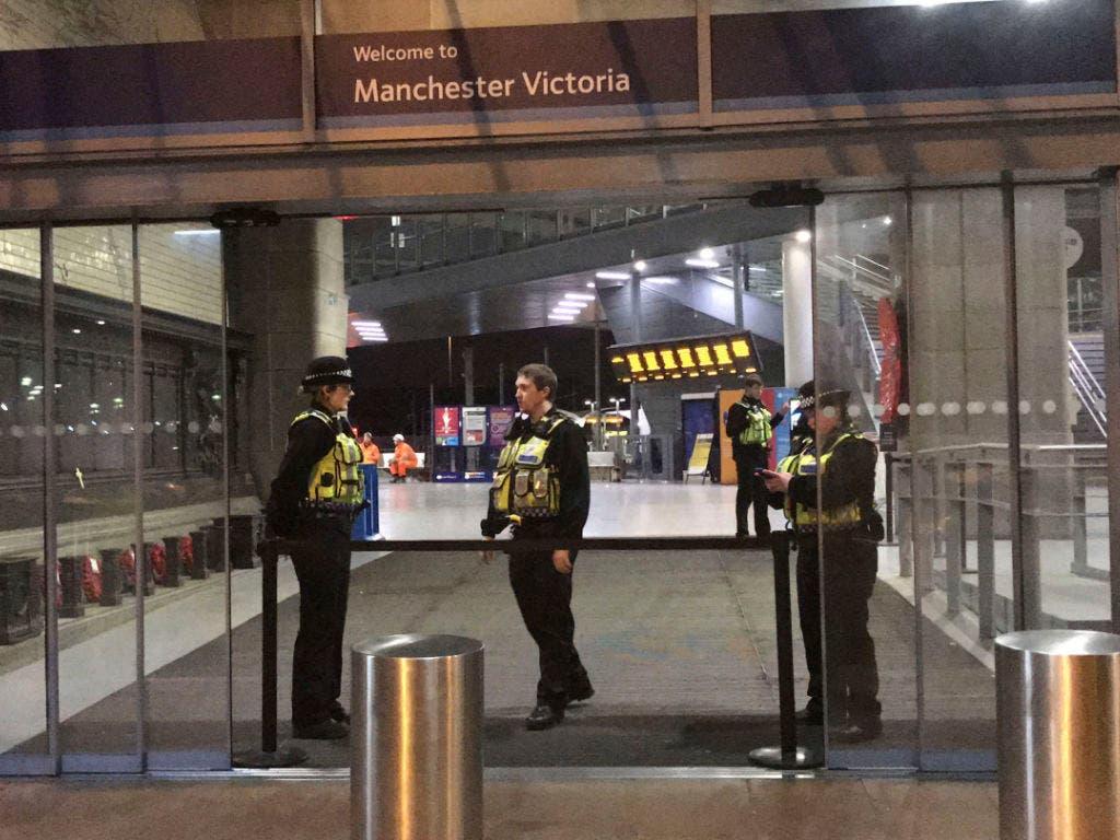Der Victoria-Bahnhof in Manchester wurde an Silvester wegen einer Messer-Attacke vorübergehend geschlossen. (Bild: KEYSTONE/AP PA/PAT HURST)