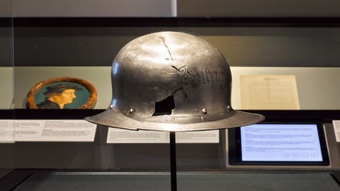 So präsentierte das Landesmuseum «Zwinglis Helm» – bis vor Kurzem jedenfalls. (Bild: Landesmuseum Zürich)