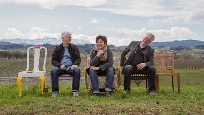 Der Vorstand der Wanderbühne: Alfi Bissegger (Kassier), Christina Holzer (Präsidentin) und Viktor Gschwend (Marketing). (Bild: PD)