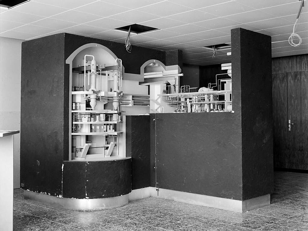 Ein Modell des Versuchsatomkraftwerks Lucens im Kanton Waadt, aufgenommen im Mai 1965. (KEYSTONE/Str) (Bild: KEYSTONE/STR)