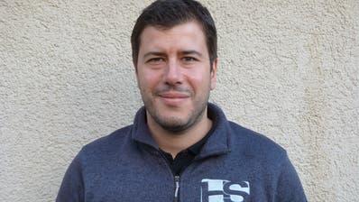 Garagist Patrick Schneider kandidiert für den Aadorfer Gemeinderat. (Bild: Kurt Lichtensteiger)
