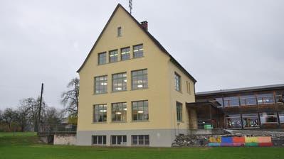 Das Primarschulhaus in Neuwilen. (Bild: Urs Brüschweiler)