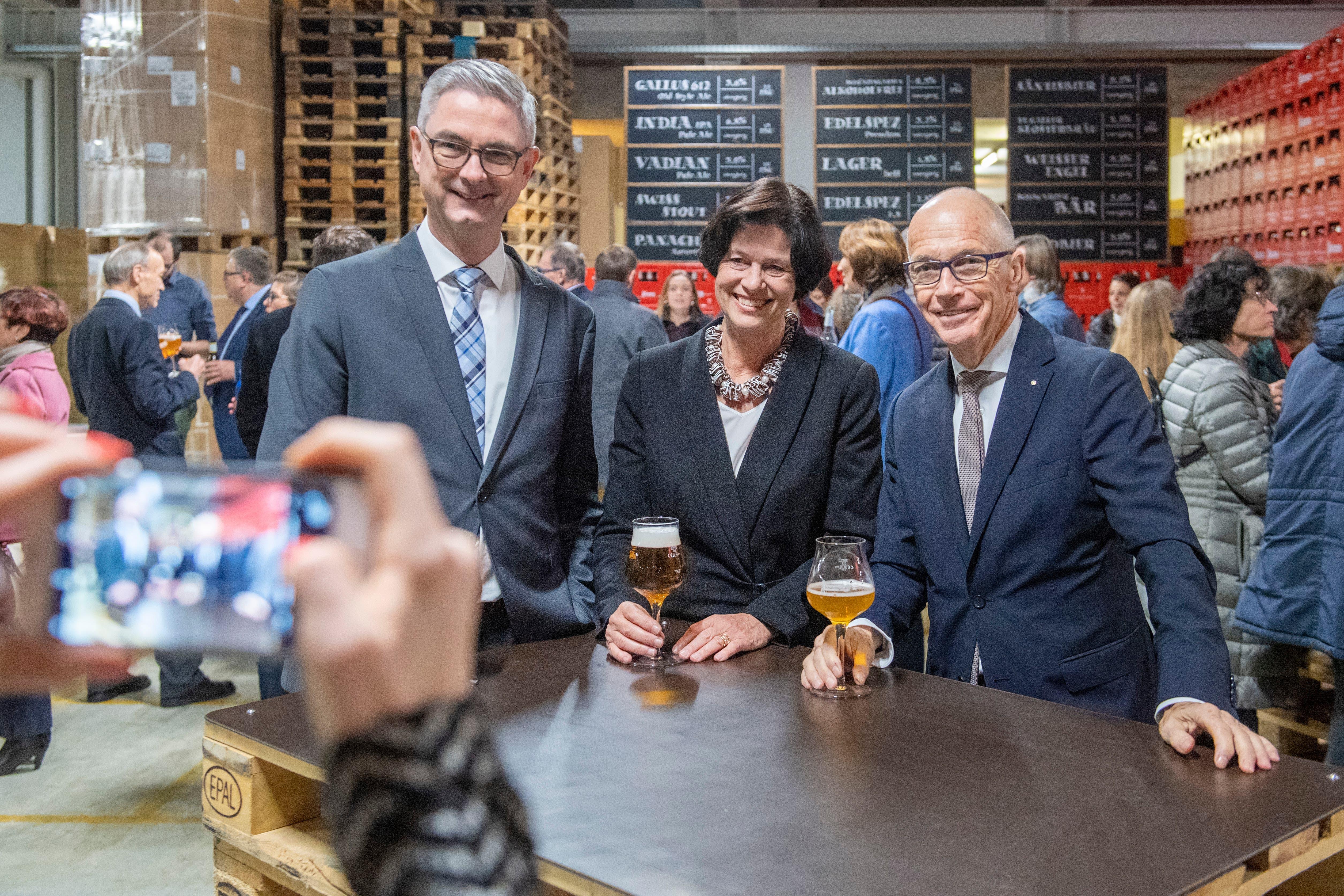 Von links: Vize-Parlamentspräsident Beat Rütsche, Parlamentspräsidentin Barbara Frei, Stadtpräsident Thomas Scheitlin. (Bild: Urs Bucher, 15. Januar 2019)