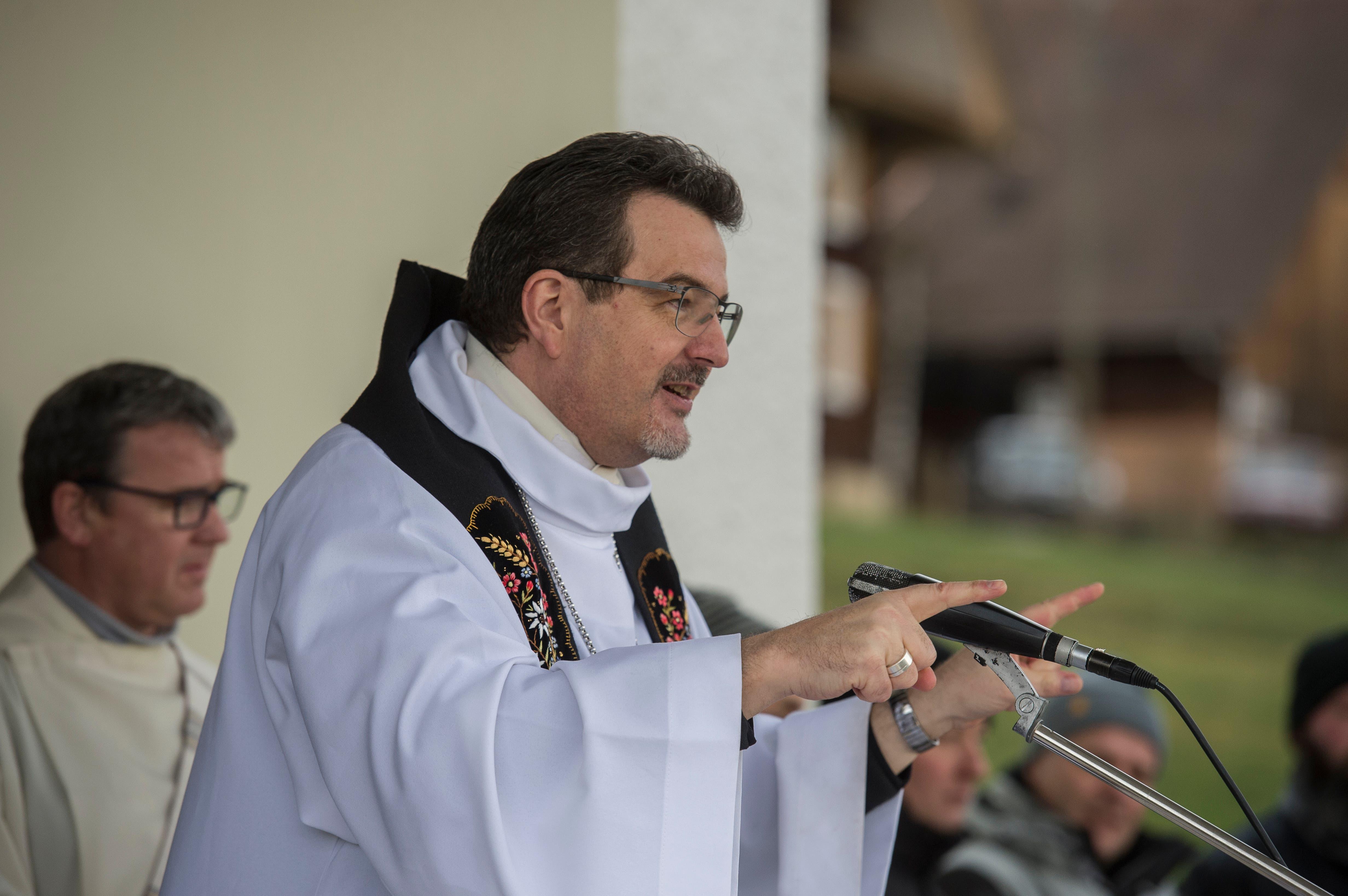 Der traditionelle Wallfahrtsgottesdienst wird jeweils von einem prominenten Geistlichen gefeiert. Heuer war es Abt Christian Meyer vom Benediktinerkloster Engelberg. (Bild: Dominik Wunderli (Grosswangen, 17. Januar 2019))