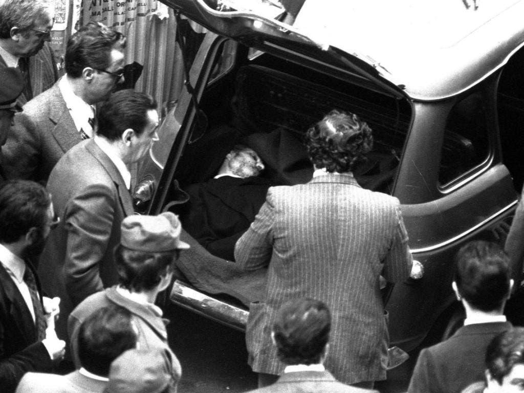 Die Verhaftung von Battisti hat im Tessin eine Polemik um Alvaro Baragiola entfacht, dem von Italien eine Beteiligung am Mord des früheren Regierungschefs Aldo Moro im Jahr 1978 vorgeworfen worden war. Mangels Beweisen wurde er damals jedoch von der Schweizer Justiz in diesem Fall freigesprochen. (Bild: Keystone/AP/STR)
