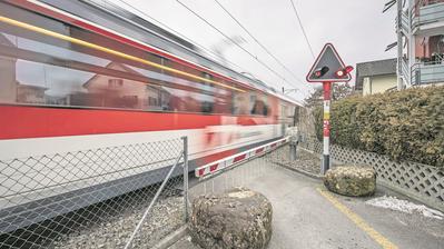Der Bahnübergang Krienser-/Horwerstrasse. (Bild: Pius Amrein (Kriens,22. Februar 2018))