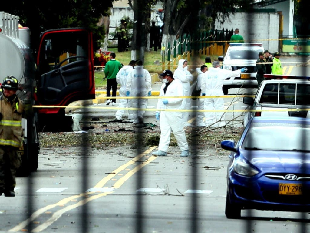Bei dem schweren Bombenanschlag auf eine Polizeiakademie in Kolumbien sind mindestens 21 Menschen ums Leben gekommen. (Bild: KEYSTONE/EPA EFE/MAURICIO DUENAS CASTANEDA)