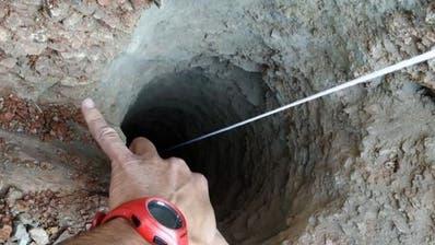 Rückschlag bei Suche nach in Bohrloch gefallenen Knaben in Spanien