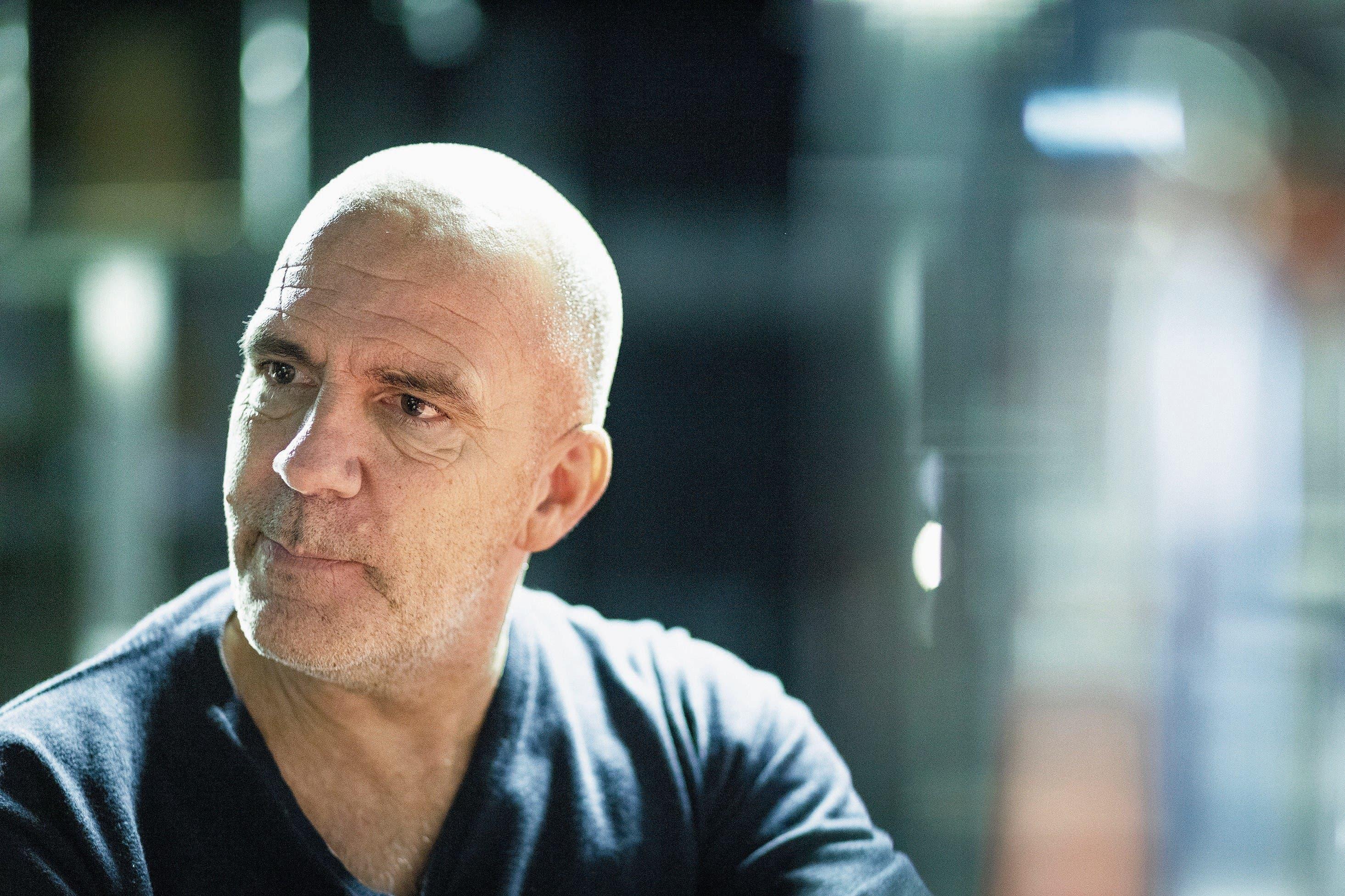 Die Angst vor dem Blackout ist da – Guy Landolt (56) vor seinem ersten Auftritt nach dem Schicksalsschlag, der ihm Sprache und Beweglichkeit genommen hatte.