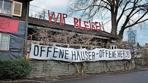 Das Kollektiv «Familie Eichwäldli» will die städtische Liegenschaft am Murmattweg nicht verlassen. (Bild: Corinne Glanzmann, 2.Januar 2019)
