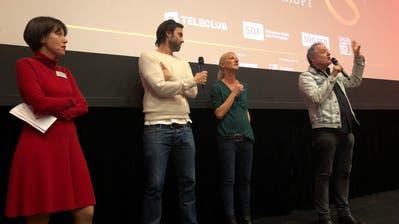 Cinéwil-Geschäftsführerin Felicitas Zehnder, Schauspieler Max Simonischek, Produzentin Anna Walser und Regisseur Stefan Haupt beantworten nach der Vorpremiere die Fragen aus dem Publikum. (Bild: Erna Hürzeler)